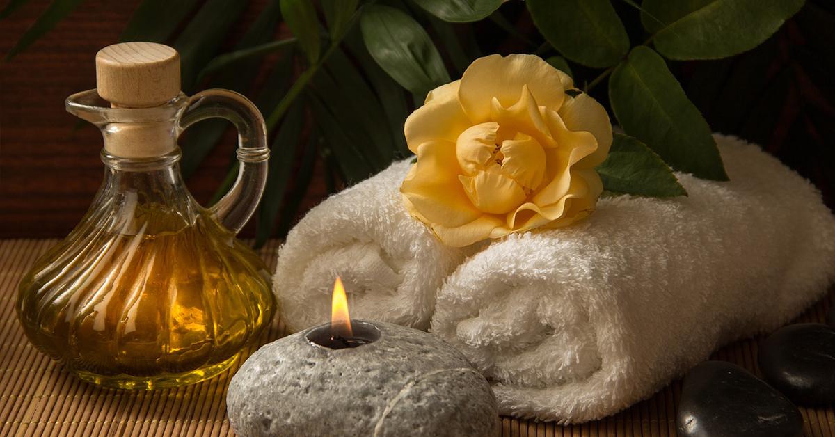 lavova-masaz 6 benefitov masáže horúcimi lávovými kameňmi