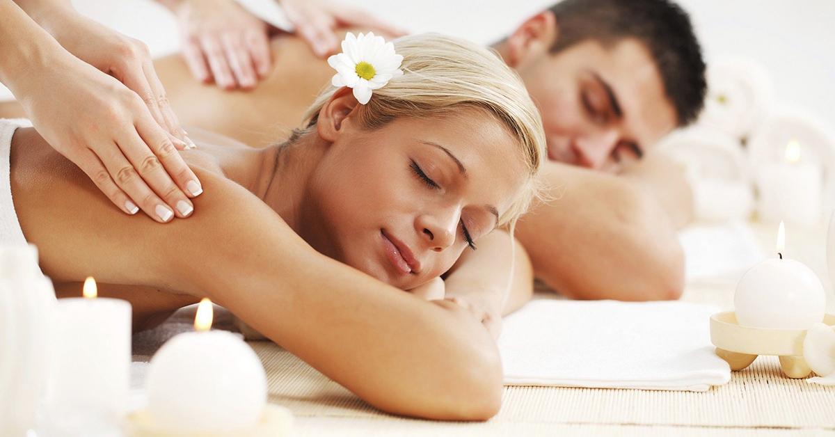 Valentín na masáži: Objavte čaro párovej masáže!